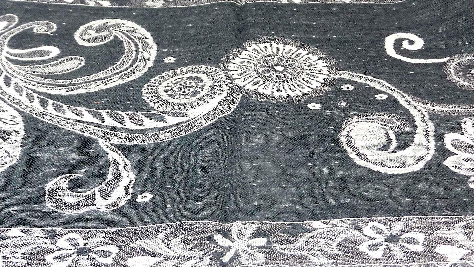 Muffler Scarf 3233 in Fine Pashmina Wool from the Heritage Range by Pashmina & Silk