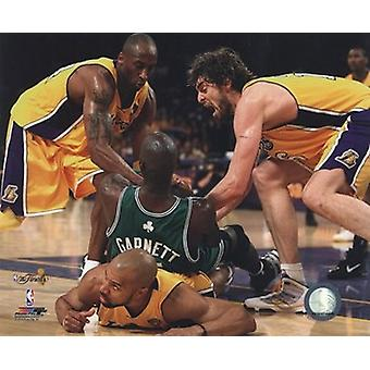 Kobe Bryant Pau Gasol Derek Fisher & Kevin Garnett fight for ball - 2010 NBA Finals Game 6 (#15) Sports Photo (10 x 8)