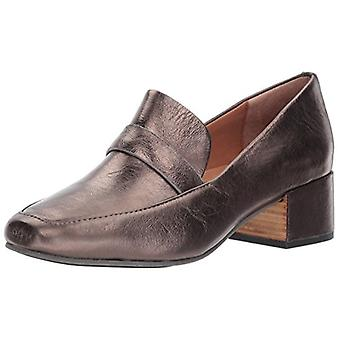 Gentle Souls Womens Eliott Leather Closed Toe Loafers