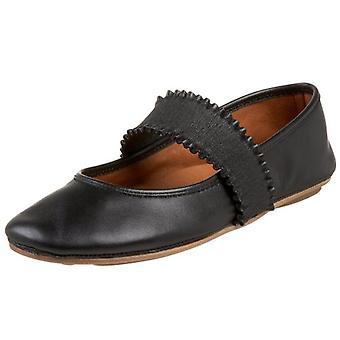 Gentle Souls Women's Shoes Gabby Leather Closed Toe Ballet Flats