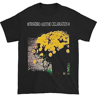 Frank Iero y la camiseta de flores de la celebración