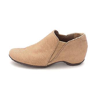 Walking Cradles Womens Keaton Closed Toe Loafers