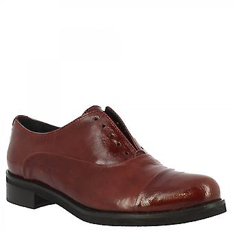 Leonardo Shoes Women's handmade slip-on shoes in red calf leather with round toe