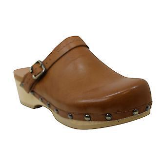 Earth Womens Tiku Leather Closed Toe Clogs