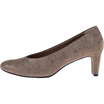 Vaneli Womens Dayle Closed Toe Classic Pumps