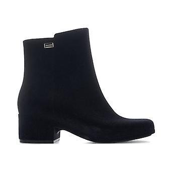 Women's Zaxy Close Flock Boots in Black