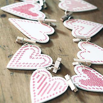 Gisela Graham Christmas Card Holder White Wooden Heart Peg Bunting Garland