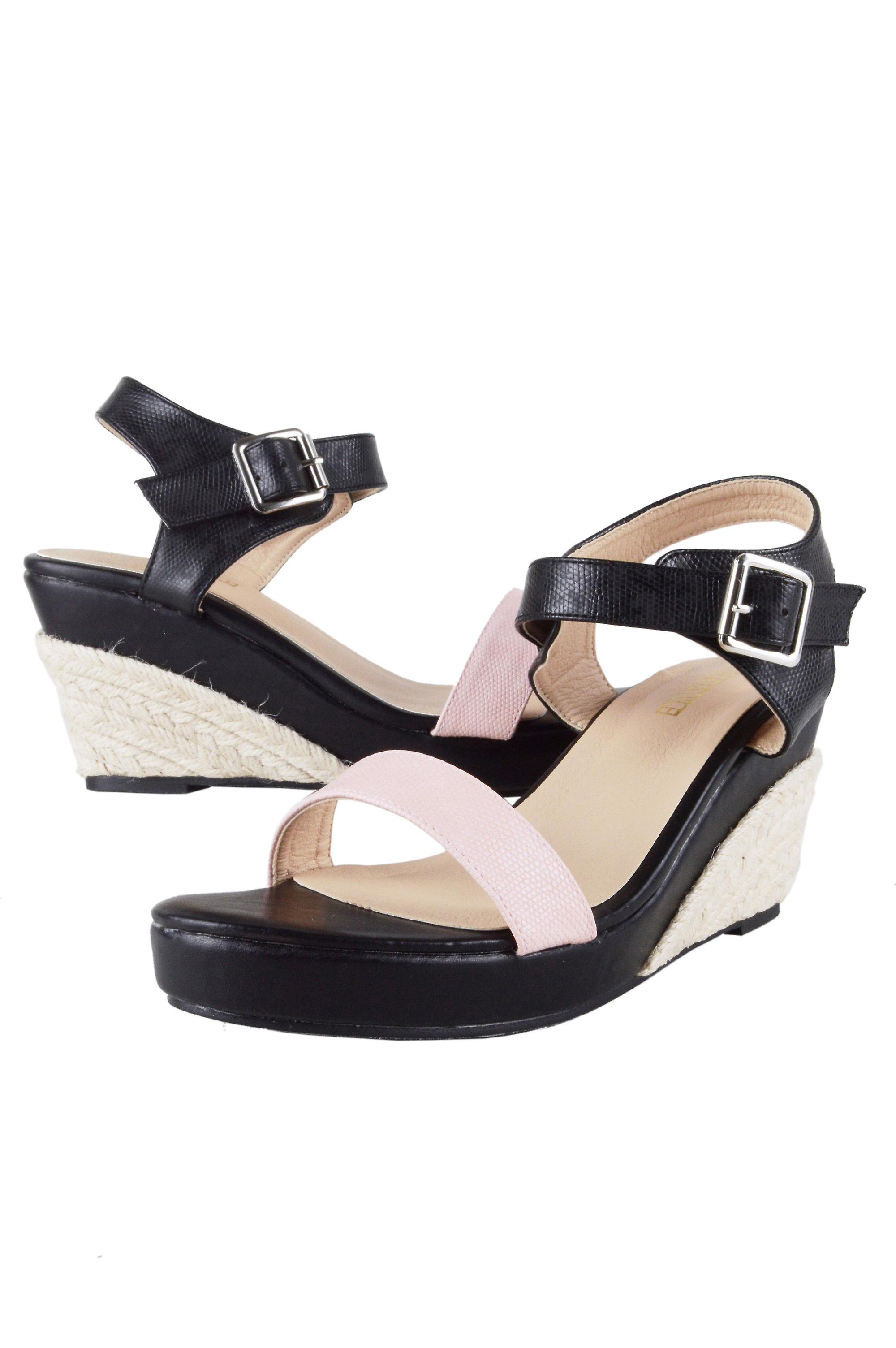 Lovemystyle Pink And Black Sandals With Rope Wedge