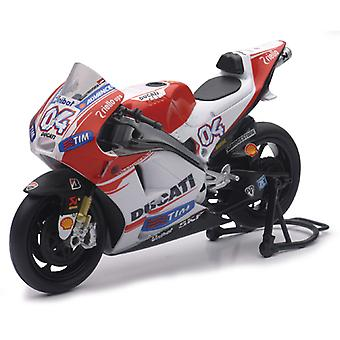 New Ray 57723 1:12 Desmosedici Ducati Team 2015 (Andrea Dovizioso) Die-Cast ATV Toy (Red)