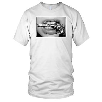 Mädchen mit Messer-Herren-T-Shirt