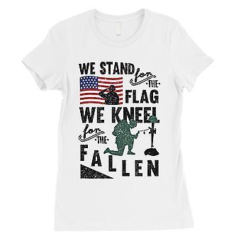 Nosotros estamos arrodillarse camiseta mujer blanca el 4 de julio los veteranos camisa
