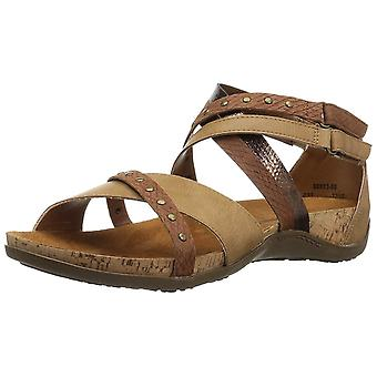 BEARPAW Women's Julianna Heeled Sandal