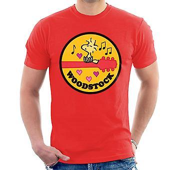 Orzeszki ziemne Woodstock siedzący na gitarze męskiej t-shirt