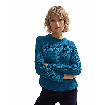 Shuuk Sweater with Cable-Knit Design
