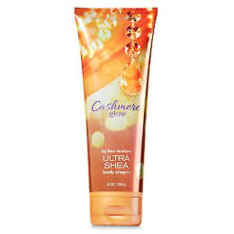 Bath & Body Works Cașmir Glow Triple Moisture Body Cream 8 oz / 236 ml (Pachet de 2)