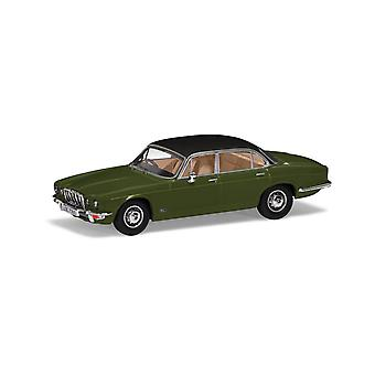 Jaguar XJ12 Series II LWB (1977) in Juniper Green (1:43 scale by Corgi VA13902)