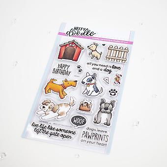 Heffy Doodle qui a laissé les chiens sortir des timbres clairs