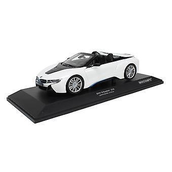 BMW i8 Roadster (2018) in White Metallic