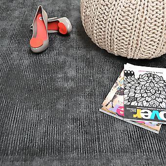 Reko tapijten In houtskool