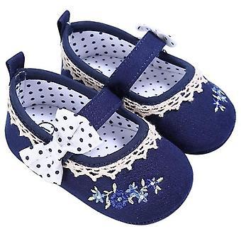 بيبي الربيع Bowknot التطريز المضادة للزلة أحذية سرير