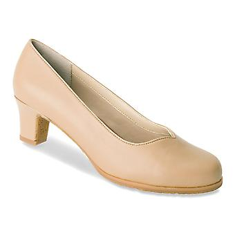 Ros Hommerson Womens Hayden Leather Round Toe Classic Pumps