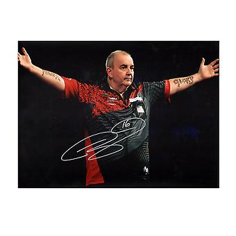 Phil Taylor underskrevet dart Foto: Magt