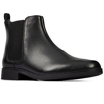كلاركس أوبري المشي Y الفتيات الأحذية العليا