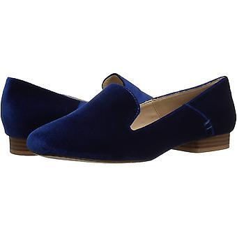 Athena Alexander Women's Lyrik Tuxedo Loafer