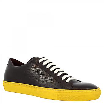 Leonardo Shoes Men's handmade round toe sneakers shoes in dark burgundy calf leather with yellow sole