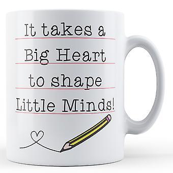 Trwa wielkie serce do kształtu małe umysły! Nauczyciel prezent - kubek z nadrukiem