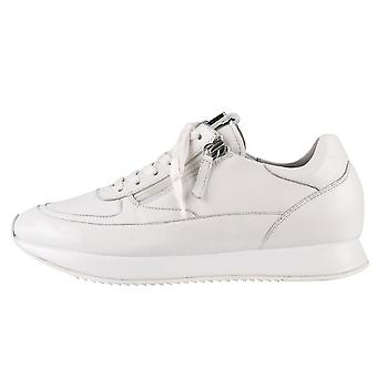 7-10 1320 Le Cloud Lace Up Sneakers en blanc