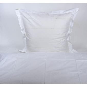 Hossner Bedding Garda with Hollow Hem Nostalgia Shabby Country House Style White