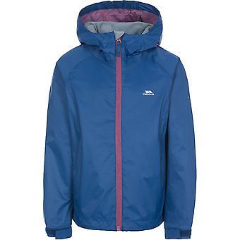 不法侵入女の子は防水通気性コートジャケットに感銘を受けました