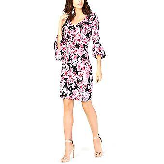 Yhdistetyt vaatteet | Kukkakuvioinen A-linjainen mekko