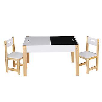 Barnbord med stolar av trä