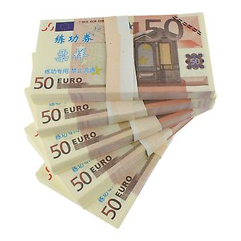 Play money-50 euros (100 banknotes)