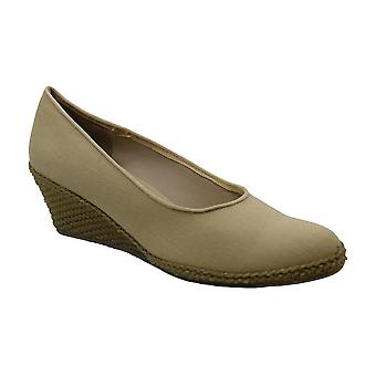 Beacon Newport Frauen's Slip On 8 2A(N) US Sand