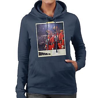 Space 1999 Helena och John i Orange Space Passar Women's Hooded Sweatshirt