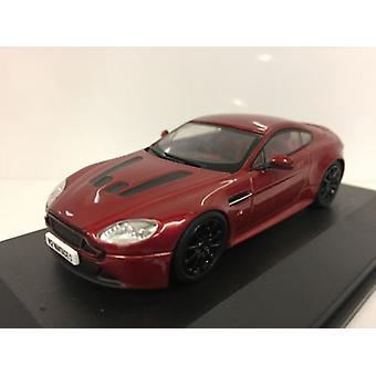 Aston Martin V12 Vantage S Volcano Red 1:43 Oxford AMVT001