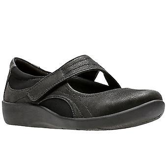 كلاركس سيليان بيلا المرأة أحذية عارضة واسعة