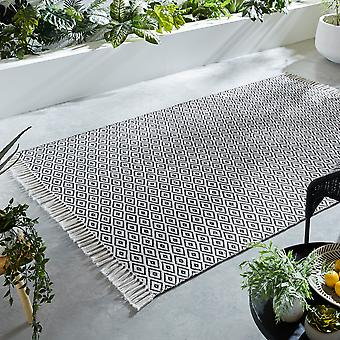 Malmo Recycled Diamond Fringe Rugs In Black And White