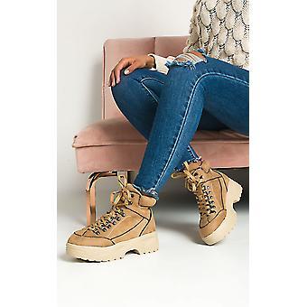 IKRUSH النساء نينا الدانتيل حتى الأحذية المسطحة