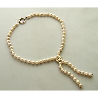 Perlenkette mit Diamant-Schloss