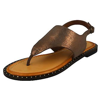 Ladies Leather Collection Toepost Sandals F00201