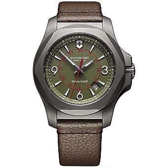 Victorinox Stainless Swiss Quartz Analog Man Watch avec Cowskin Bracelet V241779