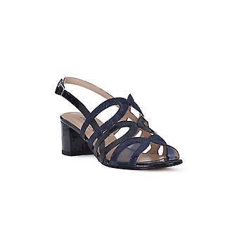 Enval soft blue patent leather sandals
