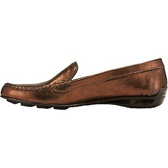 Walking Cradles Womens Mercer Leather Round Toe Loafers