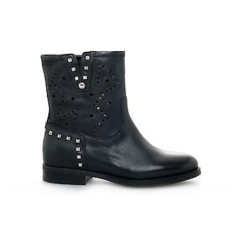 נירו ג'יארדיני 010300100 אוניברסלי כל השנה נעלי נשים