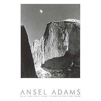 Lua e Half Dome (gravado) Poster Print por Ansel Adams (24 x 36)