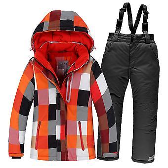 Zestaw narciarski w spodniach kurtki